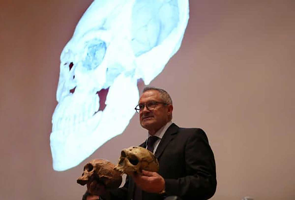 Le Professeur Jean-Jacques Hublin raconte aujourd'hui au micro de Mathieu Vidard la découverte du plus ancien représentant connu de notre espèce, Homo sapiens, qui vivait il y a environ 300 000 ans au Maroc.