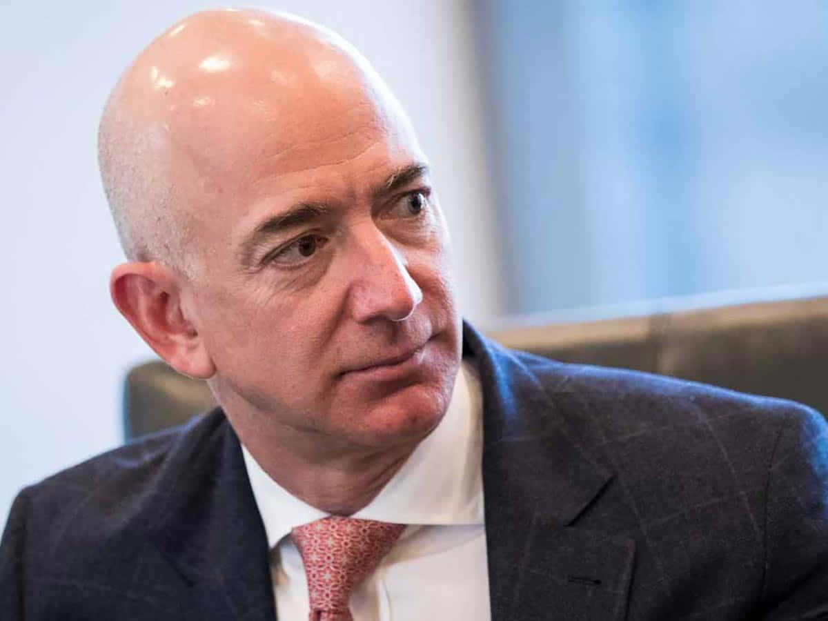 Jeff Bezos est maintenant l'homme le plus riche de l'histoire