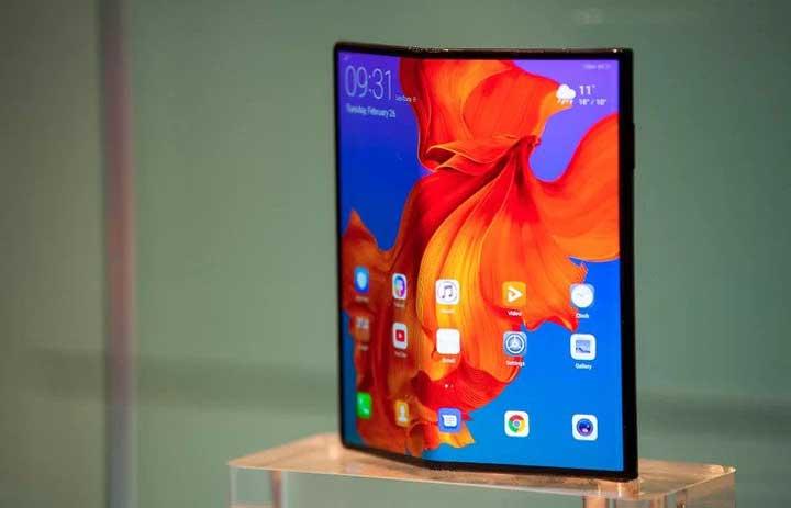 Le Mate X pliable illustre le design innovant de Huawei, mais la société est en retard sur les services.