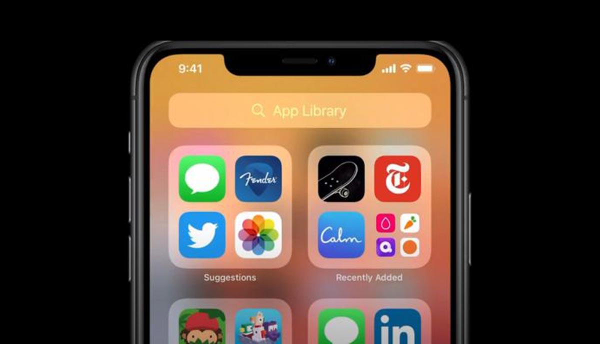 """L'écran d'accueil de l'iPhone offrira la possibilité d'organiser les programmes en """"applications suggérées"""" sur la base des habitudes passées, entre autres nouveaux critères d'ordre."""