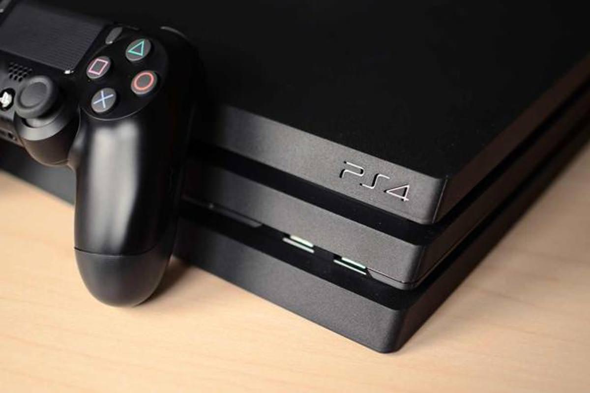 PlayStation 4 Pro, les 5 pourraient arriver dans les magasins plus tard que prévu.