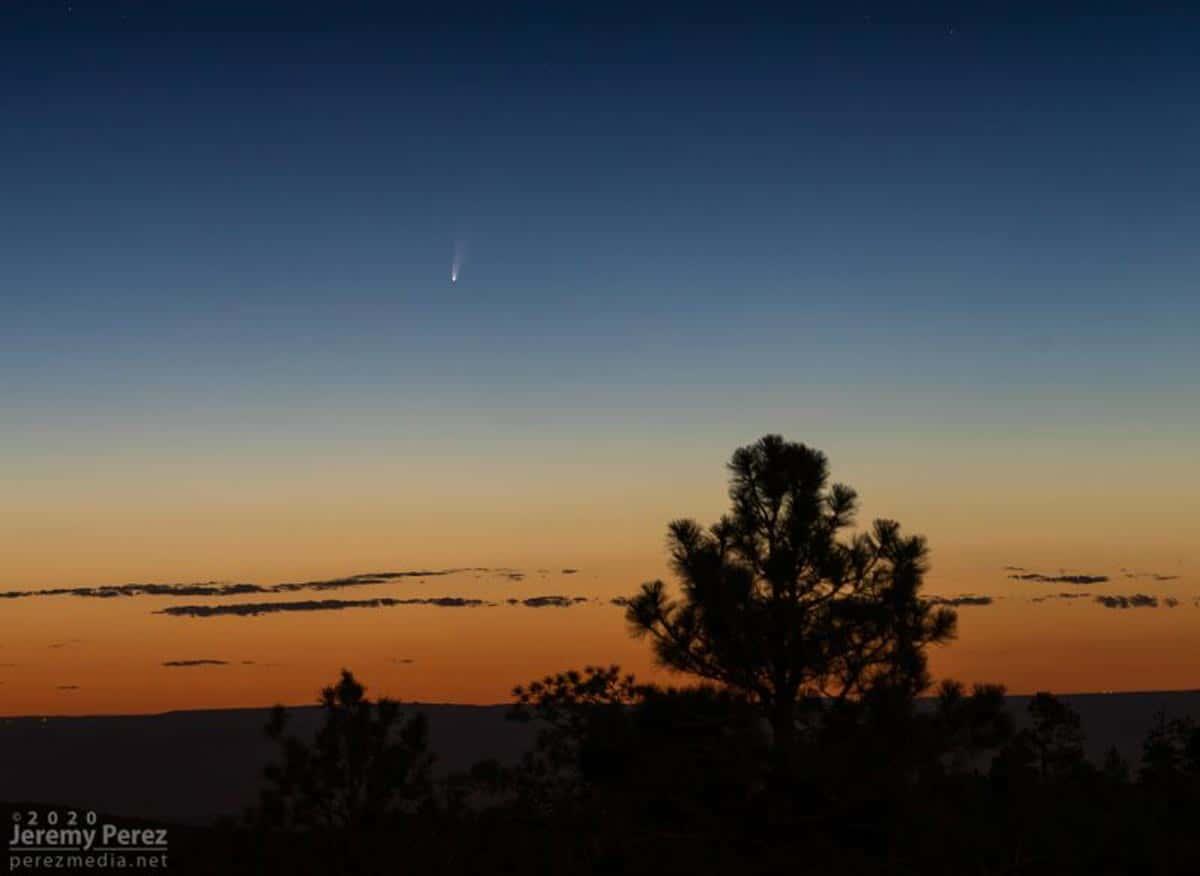 Un autre plan du 5 juillet de la comète C/2020 F3 (NEOWISE) de Jeremy Perez en Arizona.