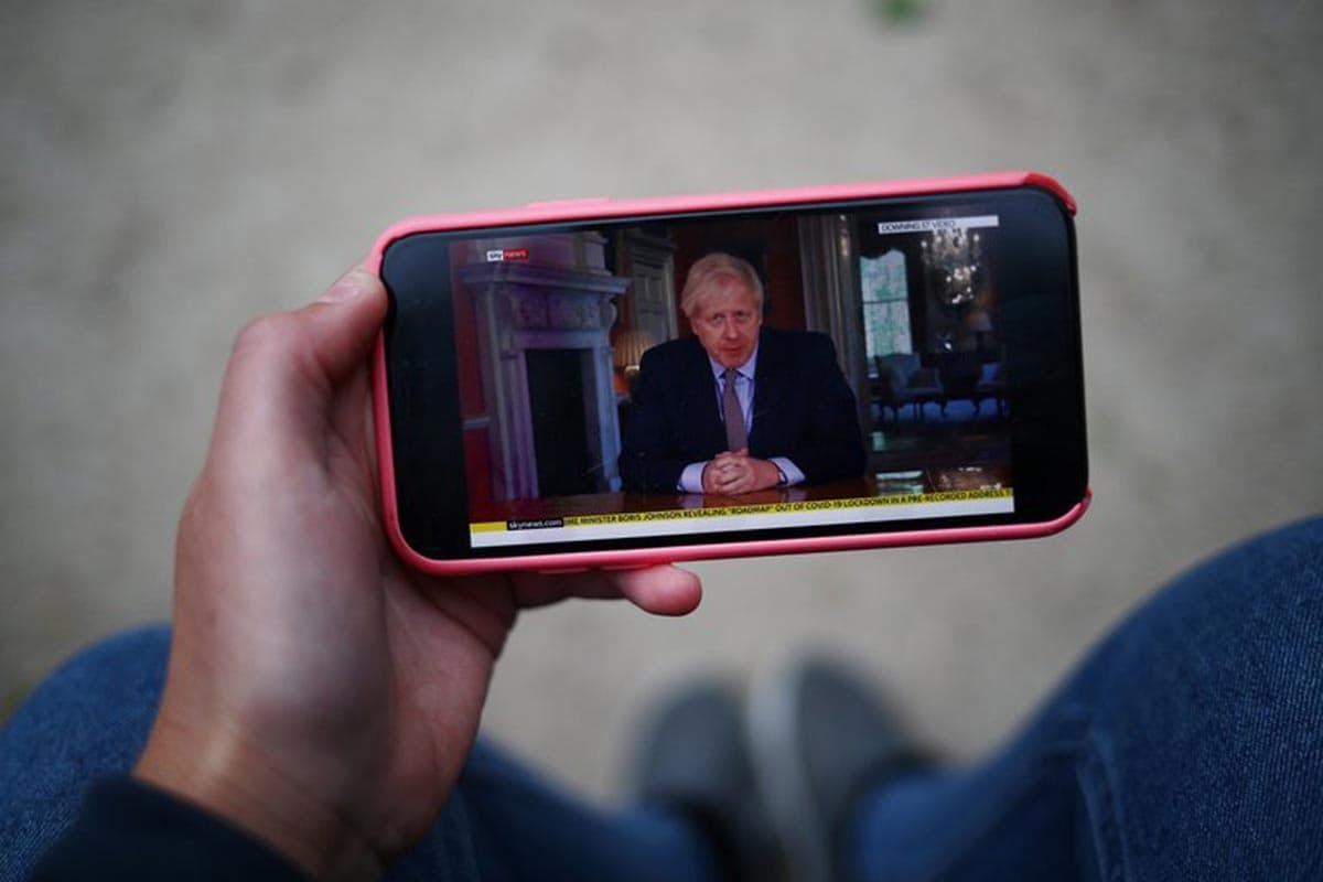 Boris Johnson a décidé d'interdire l'utilisation du réseau 5G de Huawei par crainte de fuites de données qui pourraient tomber entre les mains du Parti communiste chinois.
