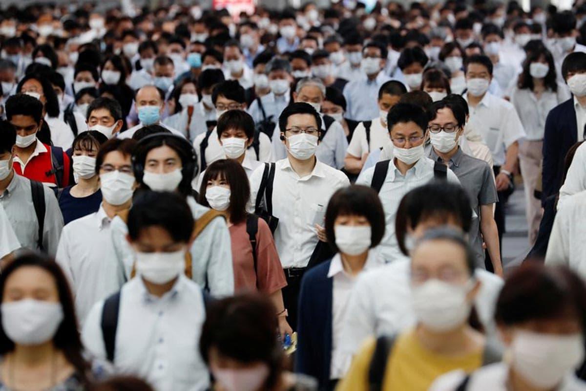 Le Japon comptait un peu plus de 20 000 cas d'IDOC-19 et 980 décès, malgré sa forte proportion d'adultes âgés dans sa population.