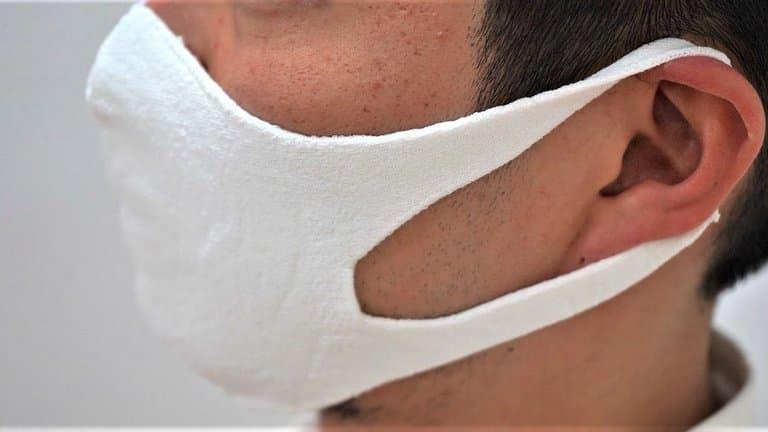 Des masques lavables et anti-bactériens fabriqués en tricot de papier washi. (Sato Seni)