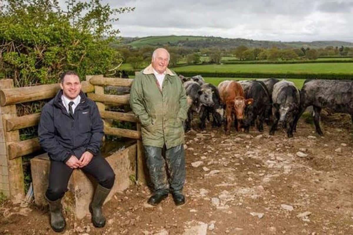 Philip Warren et son fils Ian ont attiré de nouveaux clients avec leur nouvelle boutique en ligne de vente directe aux consommateurs, suite à la fermeture des restaurants