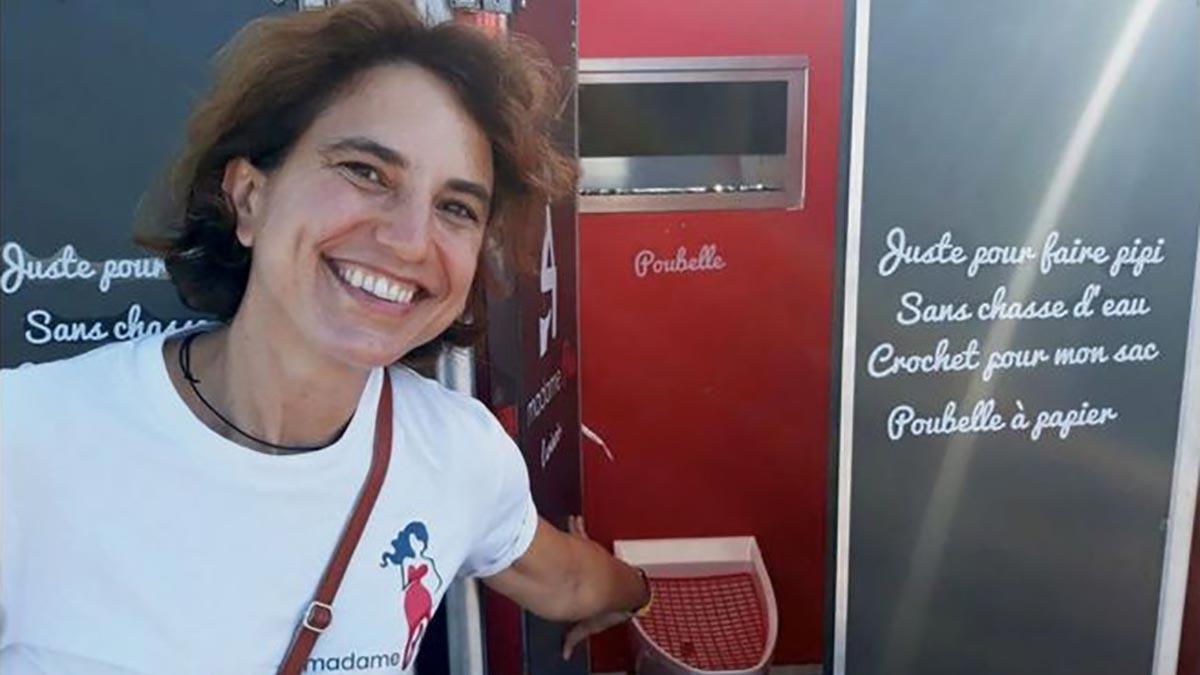 Les longues files d'attente aux toilettes pour femmes ont motivé Nathalie Des Isnards à créer une entreprise d'urinoirs pour femmes.