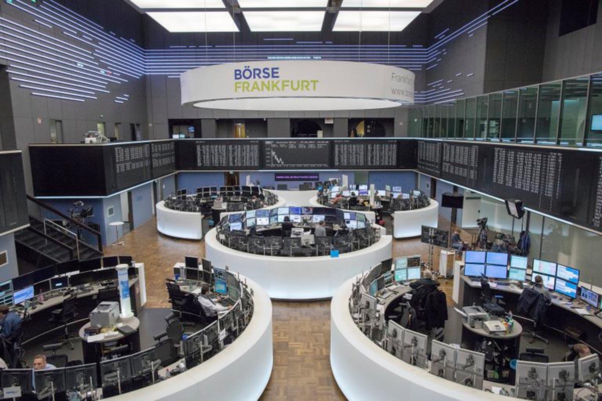 Vue d'ensemble de la Bourse de Francfort (Allemagne).