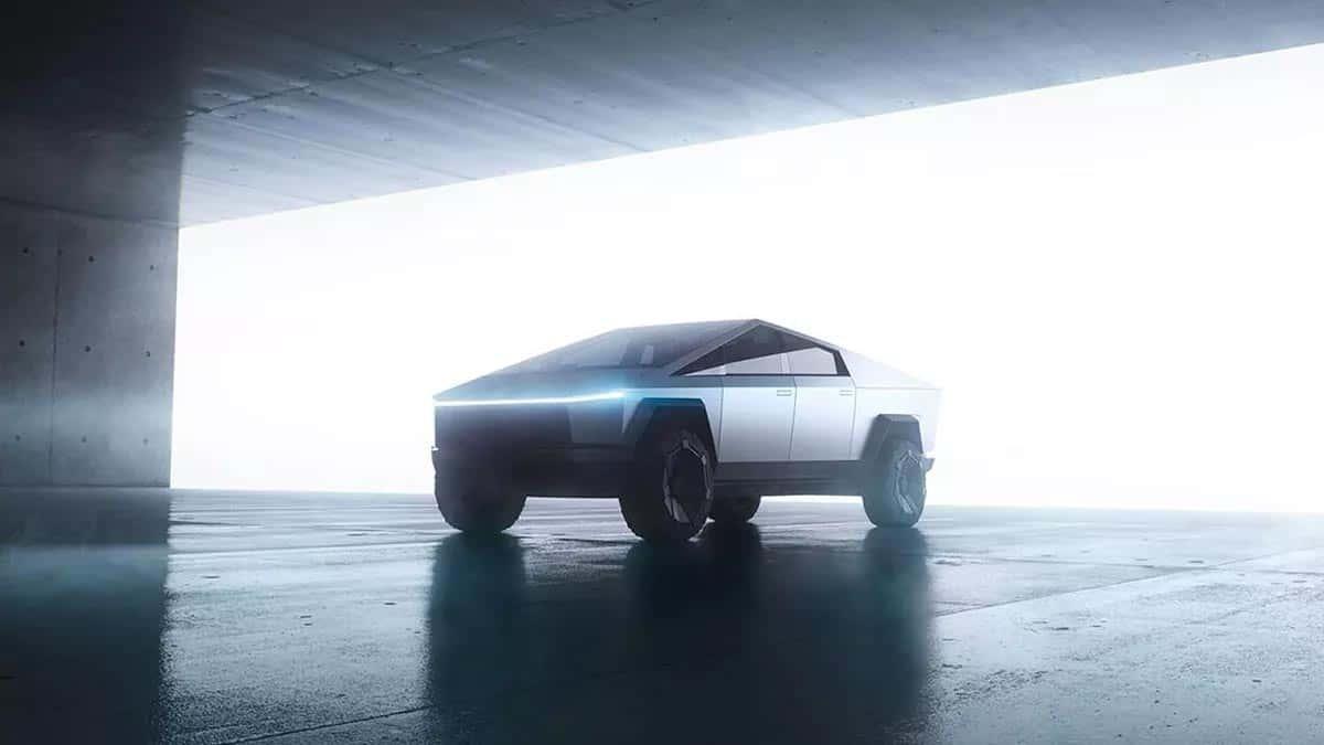 Si Tesla respecte les horaires fixés, le Cybertruck arriverait dans la seconde moitié de 2021.