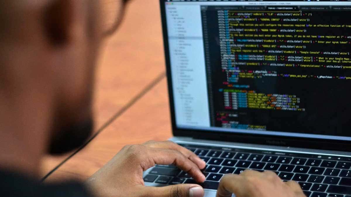 Les entreprises technologiques du monde entier se sont inquiétées de la cyber-insécurité.