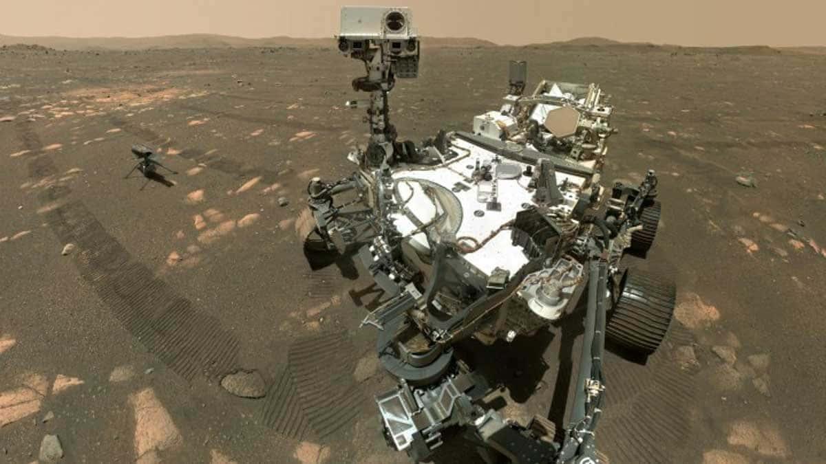 """Le rover martien """"Persévérance"""" et l'hélicoptère """"Ingéniosité"""" sur Mars (photo du 6 avril)"""