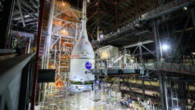 Le vaisseau spatial Orion perché au sommet de la fusée SLS POLITIQUE RECHERCHE ET TECHNOLOGIE NASA